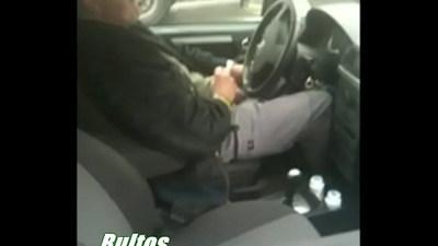 Tocandose en Su auto, video completo.
