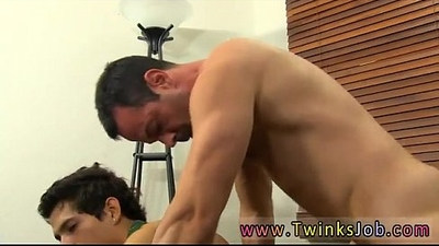 Emo gay porn sex Mike ties up and blindfolds the young Spaniard