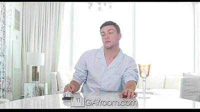 GayRoom FX Rios Pounds Logan Taylors Bubble Butt